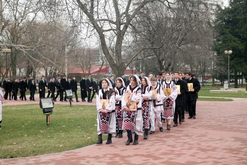 Procesiune cu sfintele icoane în Duminica Ortodoxiei